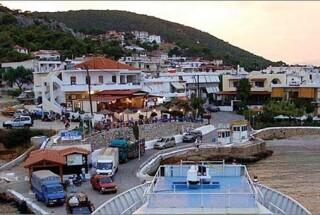 agistri holidays town