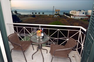 agistri-seaview-deluxe-apartment-06